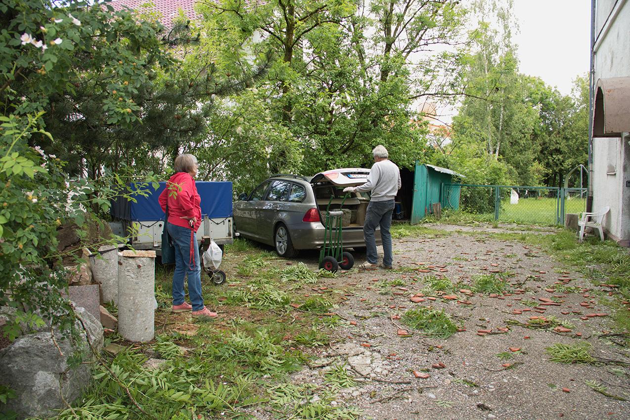 Geschockt: Irene Wührl-Petry und Michael Glatzel, die beiden ein Atelier im Haus haben